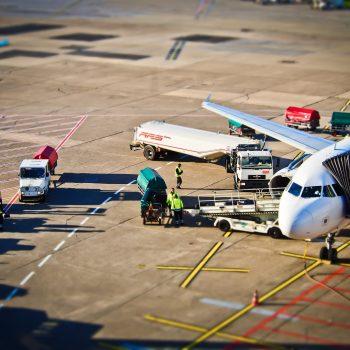 airport-1152251_1920